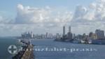 Recife - Stadtsilhouette und Liegeplätze der Kreuzfahrtschiffe