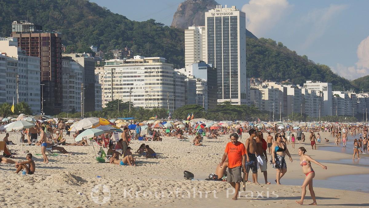 Rio de Janeiro - Beach life on Copacabana