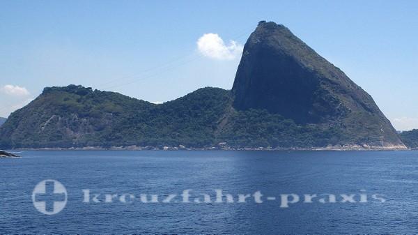 Rio de Janeiro - Zuckerhut vom Meer aus gesehen