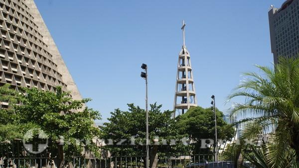 Rio de Janeiro - Catedral Metropolitana - Der Glockenturm