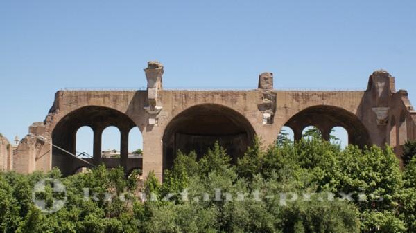 Seitenschiff der Maxentiusbasilika