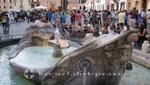 Piazza di Spagna - Fontana della Barcaccia