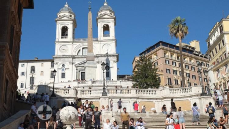 Rom - Spanische Treppe mit der Trinità dei Monti
