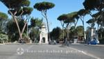 Villa Borghese - Propyläen der Adler