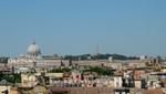Blick von der Terrazza del Pincio auf Petersdom und Vatikan