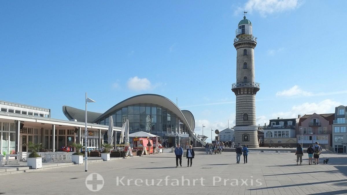 Rostock-Warnemünde - tea pot and lighthouse