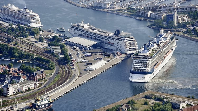 Luftbild Seehafen Rostock