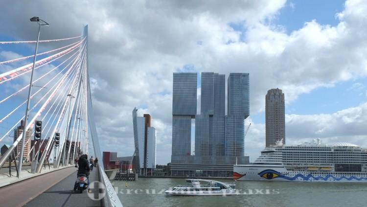 Erasmusbrug und Hochhauskomplex De Rotterdam in Kop van Zuid