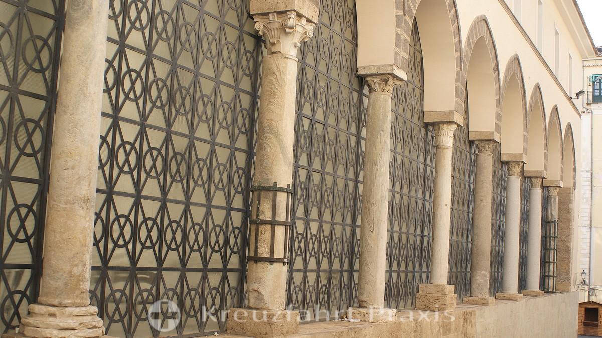 Salerno - Templo di Pomona - the Archbishop's Palace