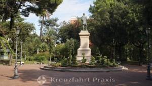 Salerno - Villa Comunale di Salerno - Statue of Giovanni Nicotera