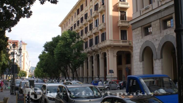 Geschäftiges Salerno