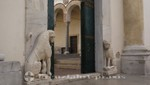 Dom zu Salerno - Löwenfiguren am Eingang zum Innenhof