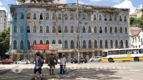 Salvador da Bahia - Verfallene Bauten in der Unterstadt