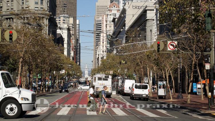 Market Street - Im Hintergrund das Ferry Building