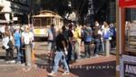 Powell Street - Warten auf die Cable Car