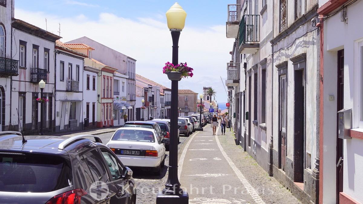 Santa Maria - Vila do Porto - sidewalk