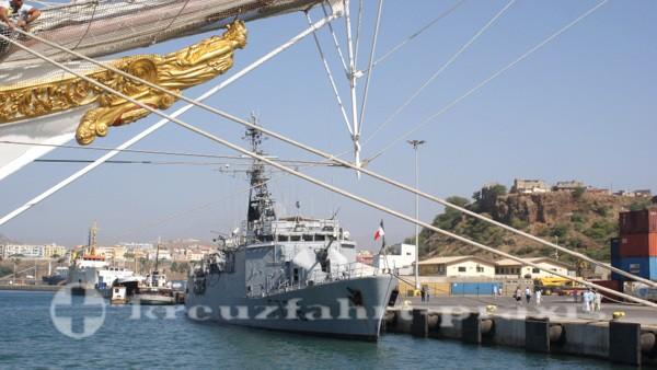 Kapverden - Schiffe im Hafen von Praia