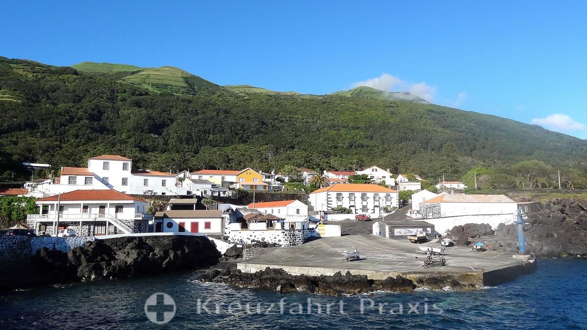 São Jorge - Urzelina seen from the sea