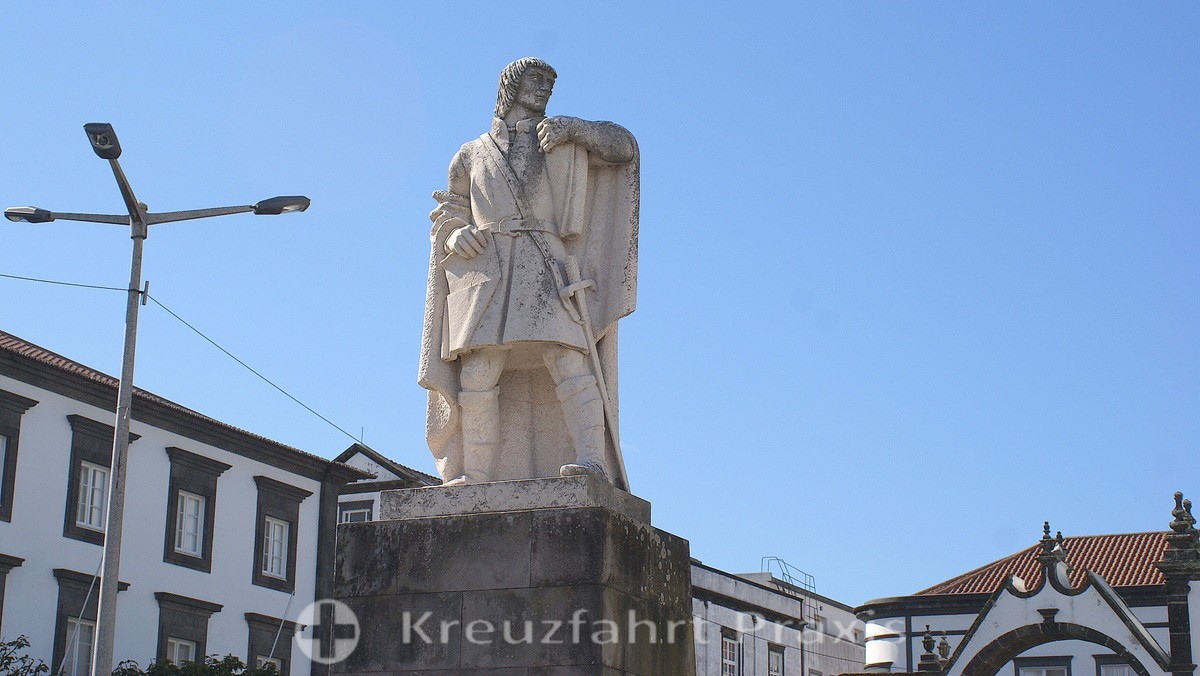 Ponta Delgada - statue of the first commandant of the Azores
