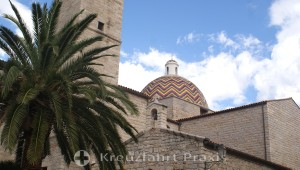 Kirche San Paolo Apostolo - die Kuppel mit den Majolika-Kacheln