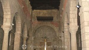 Basilica Minore di San Simplicio - Kirchenschiff