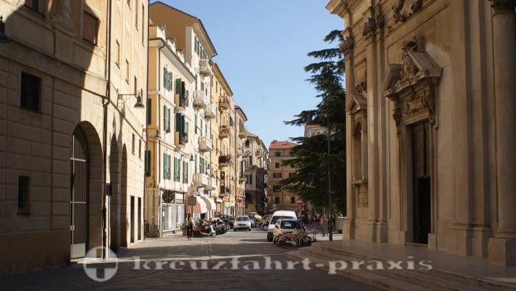Savona - Häuser nahe der Kathedrale