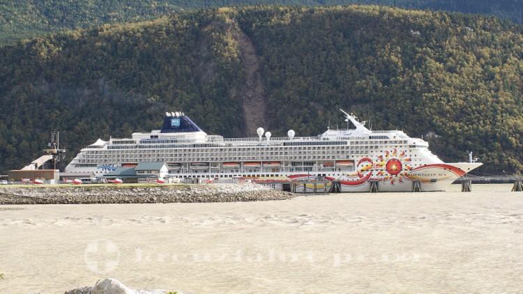 Kreuzfahrtschiff Norwegian Sun am Ore Dock