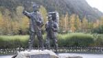 Centennial Statue am Broadway