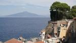 Sorrent - Marina Grande mit Vesuv