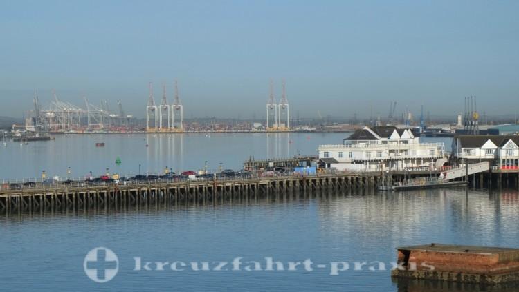 Southampton - Blick auf den Hafen