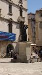 Split - Marulic-Monument mit dem Milesi-Palast
