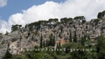 Split - Marjan - Ein Kirchlein steht am Felsen