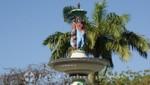 St. Kitts - Basseterre - Brunnen am Independence Square mit allegorischen Figuren