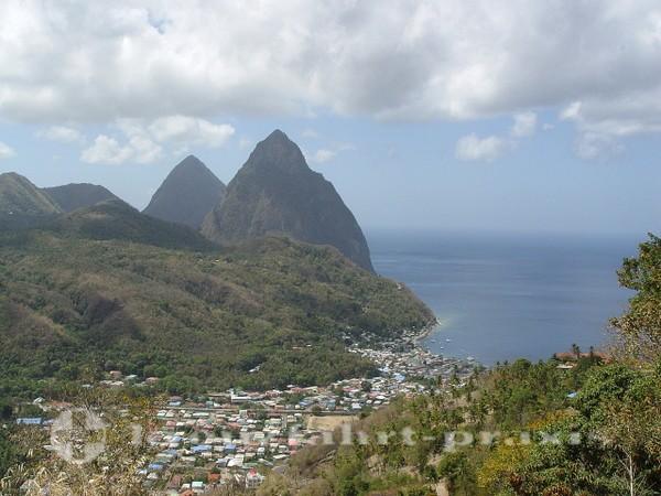 St. Lucia - Soufrière mit den Pitons