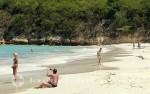 Antigua - Strandleben mit Dame