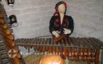 Puerto Quetzal - Azotea Museum für Musikinstrumente in Jocotenango