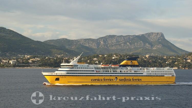 Toulon - Fährschiff