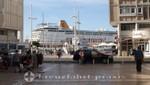 Toulon - Betonbauten an der Hafenpromenade