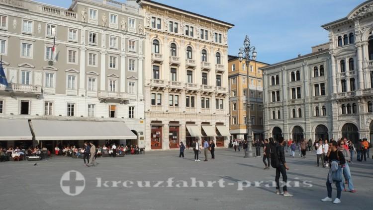 Triest - Casa Stratti und Palazzo Modelo