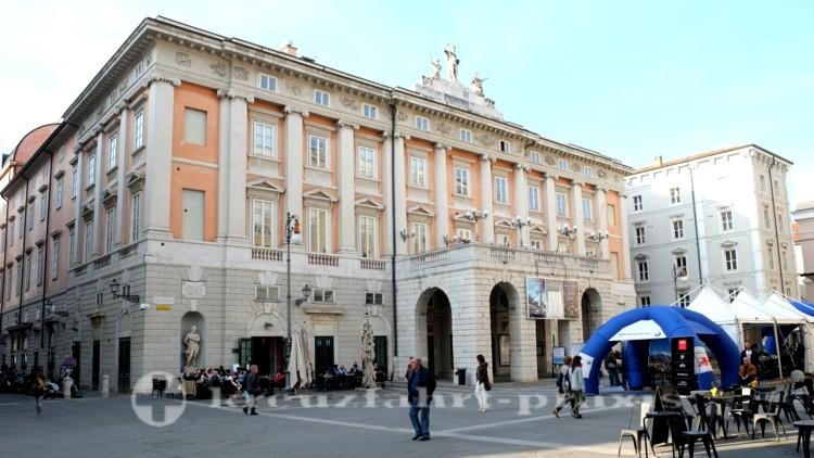 Triest - das Opernhaus an der Piazza Giuseppe Verdi