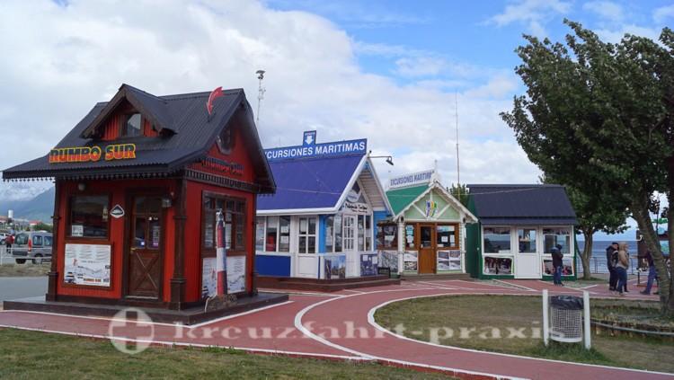 Schiffsausflüge werden in diesen Kiosken verkauft