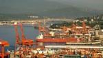 Vancouvers Hafen mit der Ironworkers Memorial Bridge