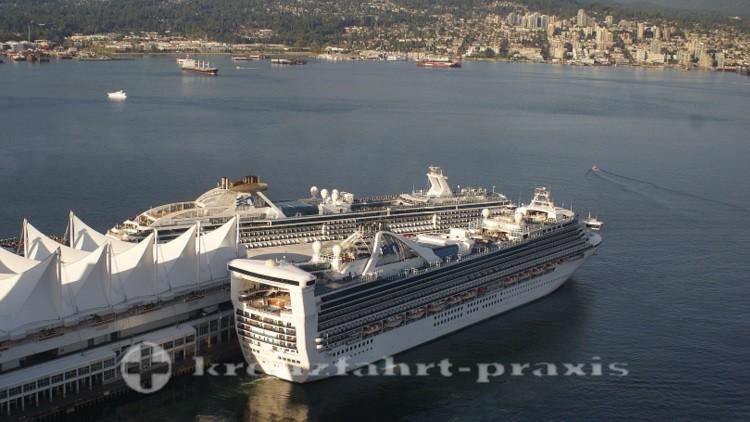 Kreuzfahrtschiffe am Kreuzfahrtterminal von Vancouver