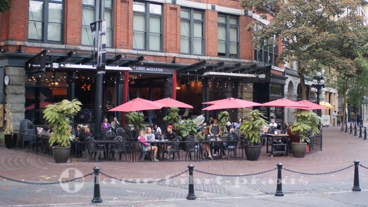 Schöpferische Pause an Gastowns Maple Tree Square
