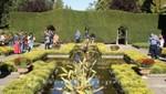 Gartenliebhaber im italienischen Garten