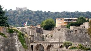 Zitadelle und Fort du Mont Alban