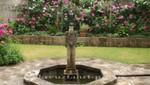 Winchester - Queen Eleanor's Garden mit Falkenstatue